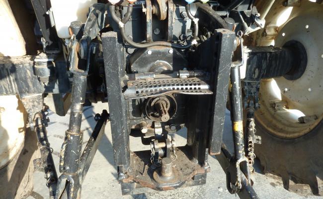 Achterkant tractor met aanbouwmogelijkheden